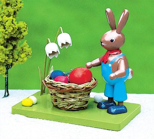 Hase mit Osternest