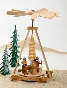 Pyramide Christi Geburt natur