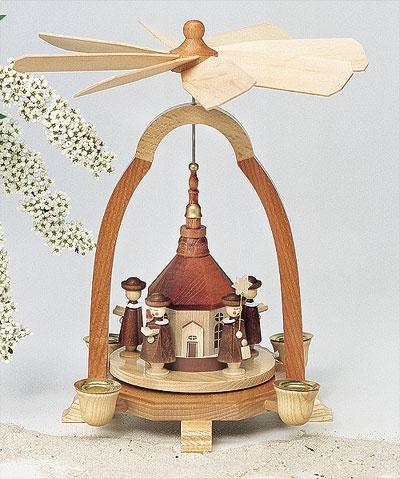 Kurrende mit Seiffener Kirche