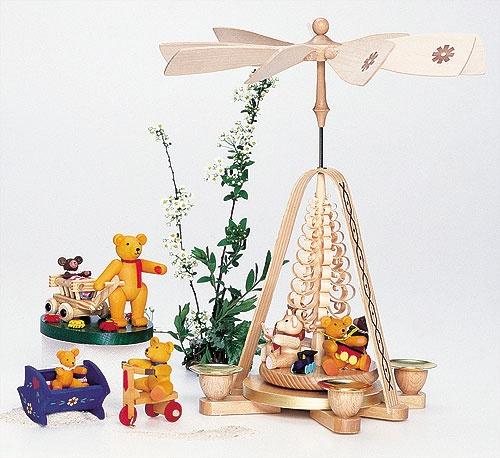 Bärenkinder auf Blumenwiese