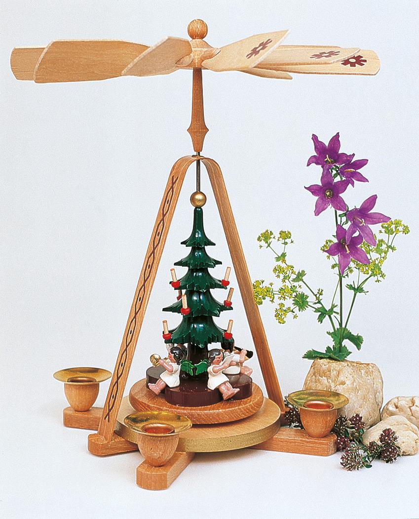 Engelkapelle mit Weihnachtsbaum