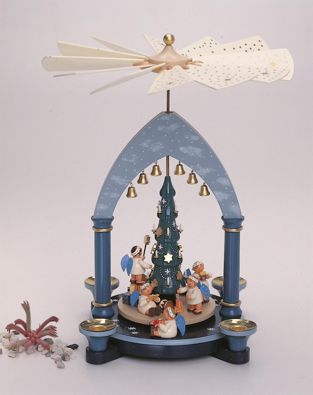 Pyramide Engel mit Weihnachtsbaum