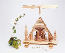 Pyramide Krippenhaus / natur