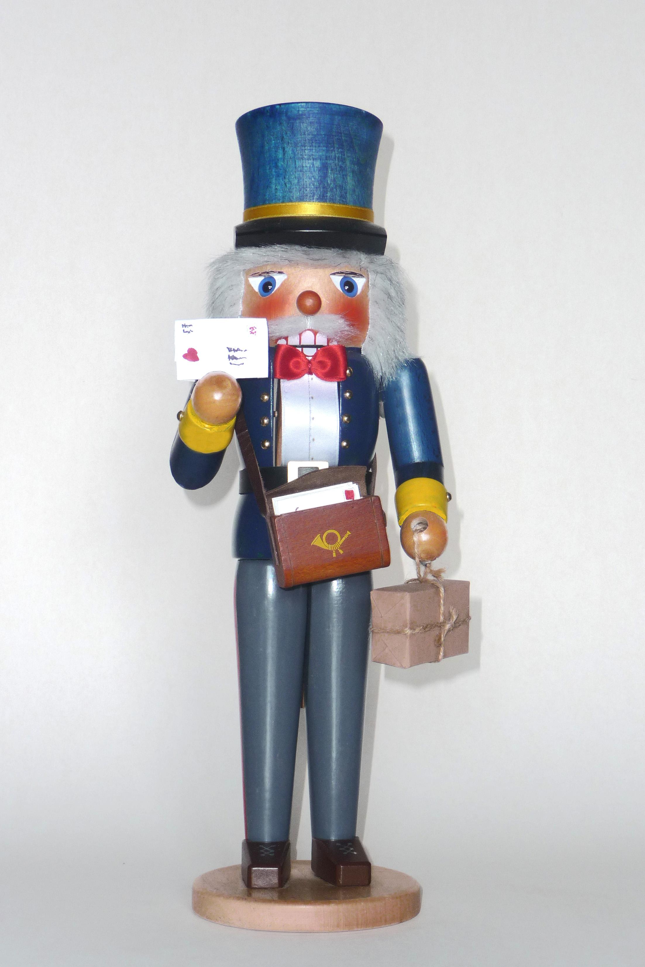 Nussknacker Postbote