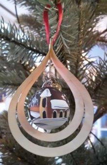 Baumbehang Glaskugel Kirche, 3D