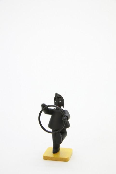 Wilhelm mit Reifen, schwarz