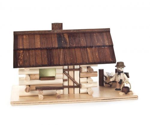 Räucherhaus Waldhütte mit Waldarbeiter