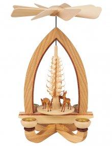 Kerzenpyramide mit Rehen