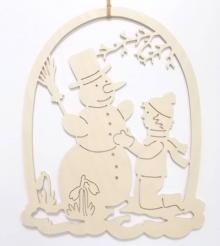 Junge mit Schneemann