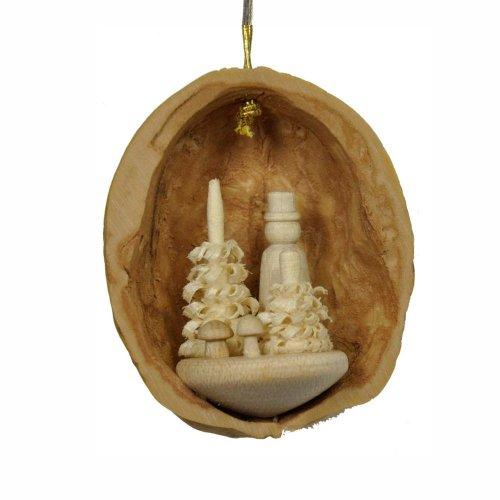 Behang Pilzsammler in Walnussschale