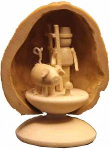 Miniatur 3 Glücksbringer in Walnussschale