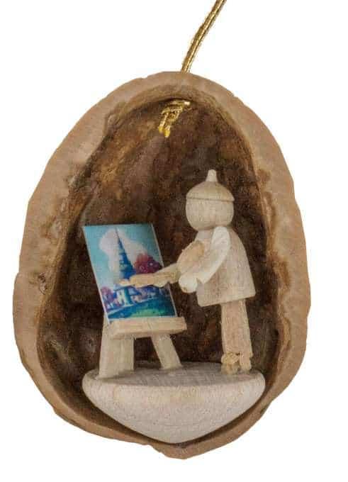 Behang Maler in Walnussschale