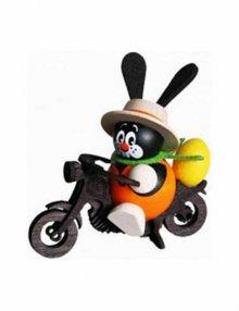 Hase auf Motorrad