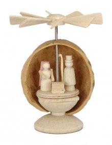 Miniatur Pyramide Christi Geburt in Nussschale