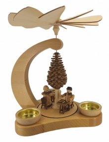 Teelichtpyramide Klöpplerin und Schnitzer