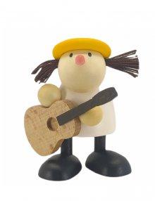 Lotte spielt Gitarre